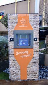 Une fontaine à eau sans contact de la gamme Sourceo + - Fontaineo