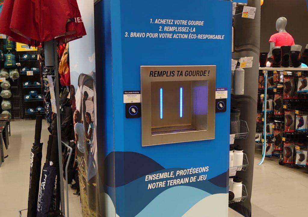 Une fontaine à eau dans le magasin de sport Décathlon de Bry-sur-Marne. Installation par Fontaineo