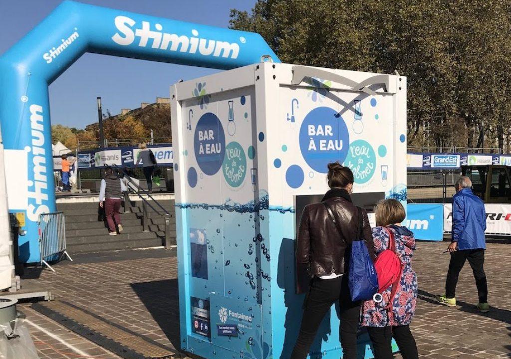 Une fontaine à eau installée à l'occasion du Marathon Mirabelle de Metz par Fontaineo